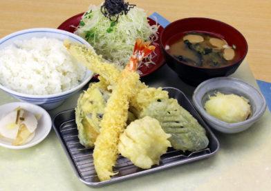 夏のごちそう天ぷら膳始めました!