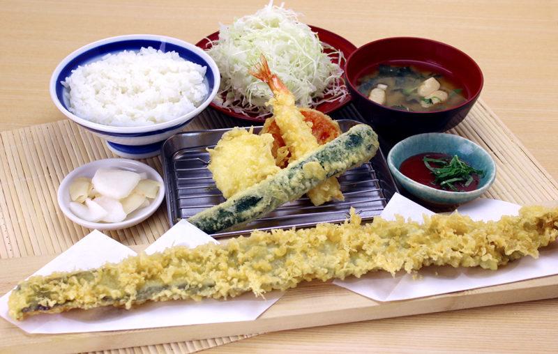 夏期限定「太刀魚の一本天ぷらと夏野菜御膳」